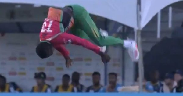Kevin Sinclair Does A 'Double Somersault' In CPL 2020