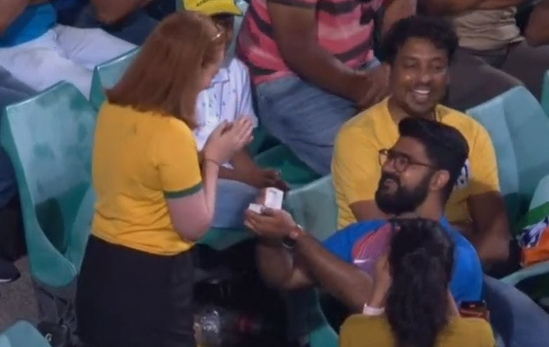 Watch - Romantic Scenes At SCG As An Indian Proposes An Australian Girl For Marriage