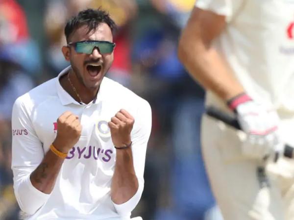 Axar-Patel Moeen Ali wicket