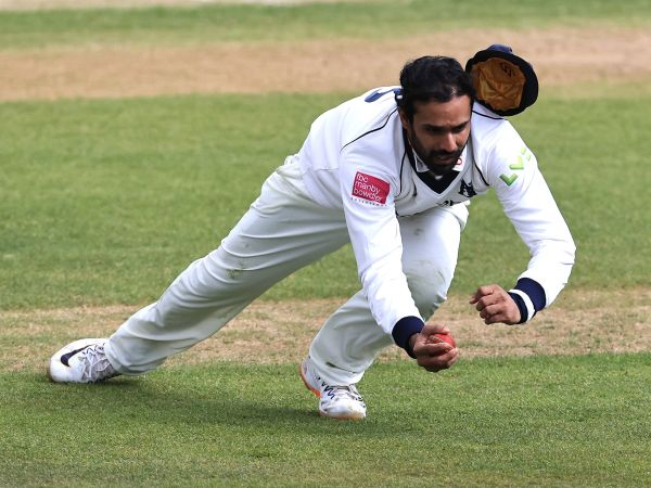 Hanuma Vihari takes brilliant catch. (PC- Sportstiger)