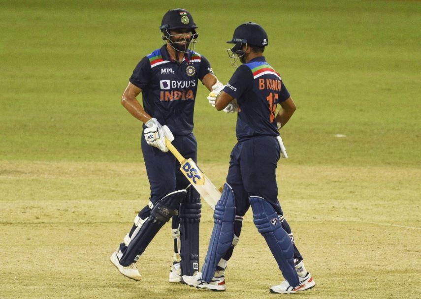 Deepak Chahar-Bhuvneshwar Kumar 2nd ODI