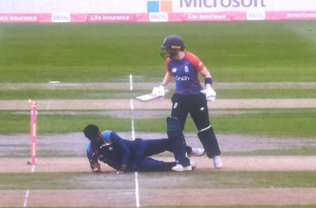 Heather Knight run-out
