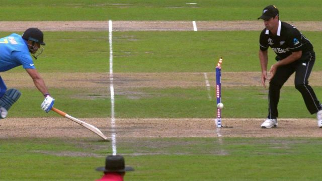 MS Dhoni 2019 SF Run out